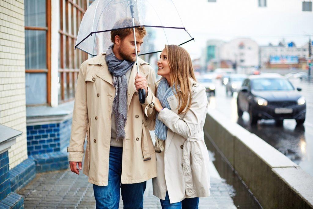 雨の日のデートって何する? 服装は? おすすめのプランは?