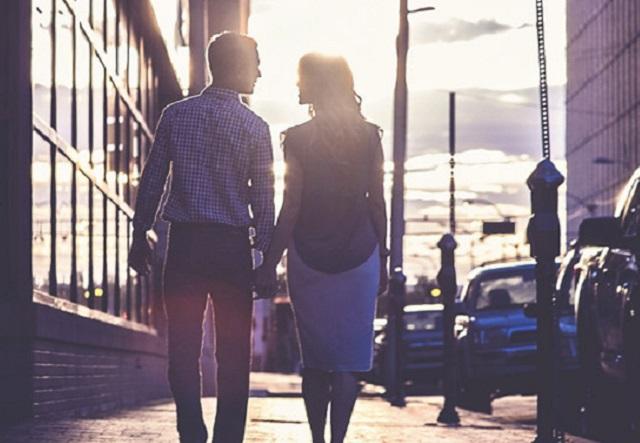 新しい職場で恋を引き寄せる方法 ! 社内恋愛もキャリアも手に入れる♡