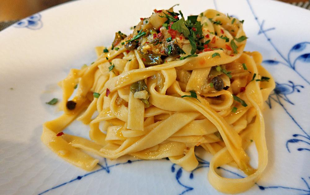 プリモピアット 飛騨ネギと鱈のサフラン風味のタリアテッレパスタ