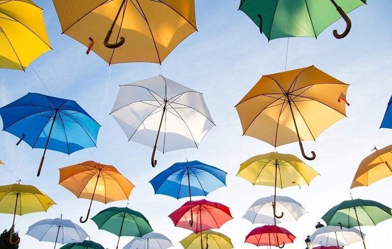 雨の日におすすめのデートプランとは?