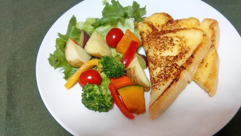 アレンジ例:「食パンフレンチトースト」朝食バージョン
