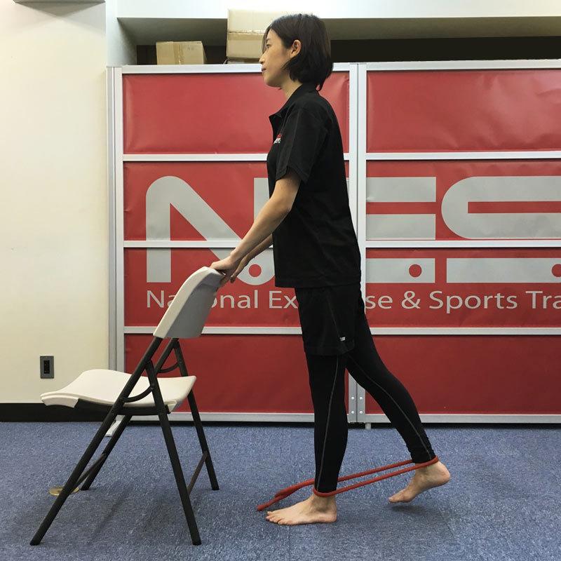 ハムストリングスを鍛える筋肉トレーニング1