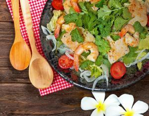 おうちが南国に♪ ナシ・ゴレン、サテ、パクチーサラダのレシピ【アジアごはん】