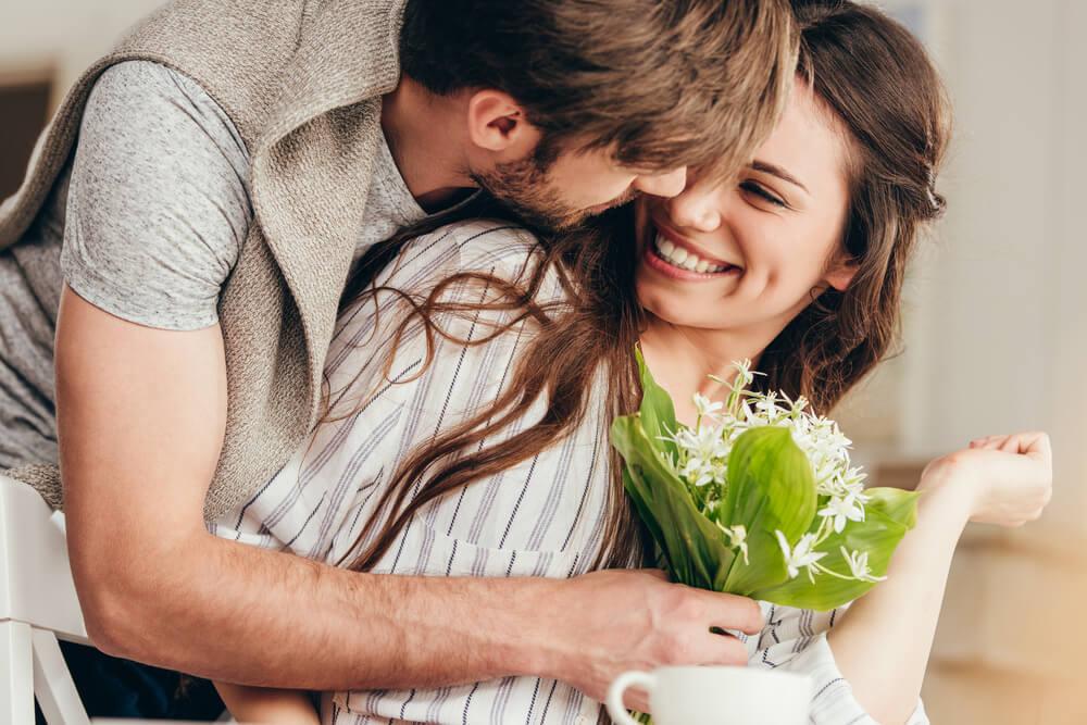 年上女性から「恋愛対象としてアリ」だと思われる年下男性の特徴とは?