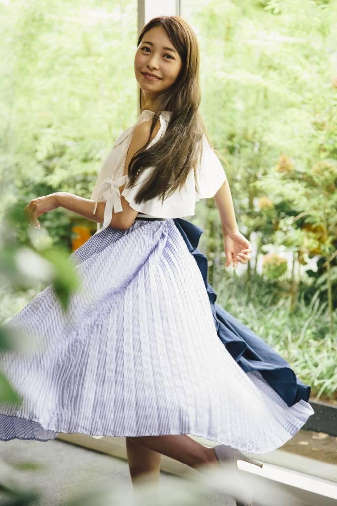 オススメのスカートは個性的なデザインのもの、舞いやすいもの