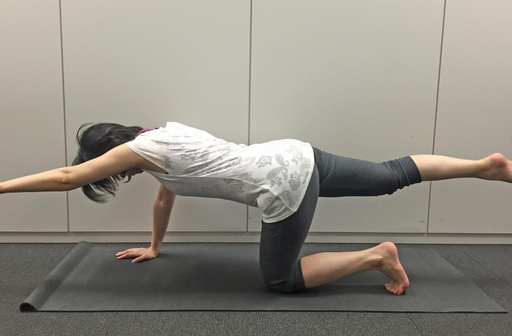 大殿筋を鍛える筋肉トレーニング1