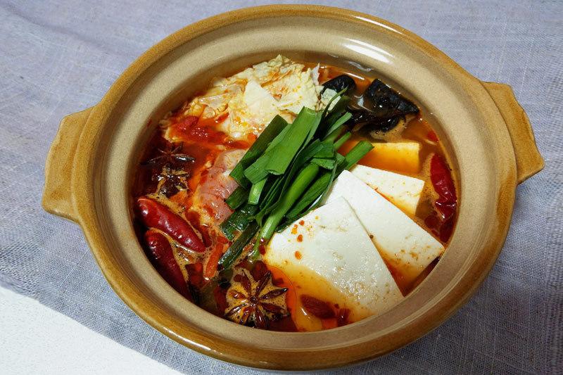 火鍋スープのレシピ:赤い麻辣湯(マーラータン)