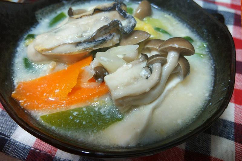 火鍋スープのレシピ:白い白湯(パイタン)