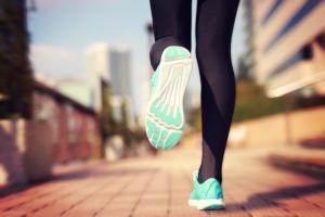 ウォーキングとランニング、ダイエットに効果的なのはどっち?
