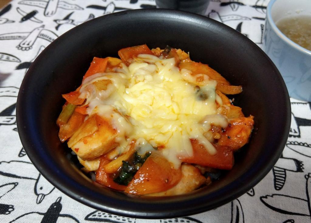 ふわふわメレンゲ親子丼・とろ~りチーズタッカルビ丼がレシピ