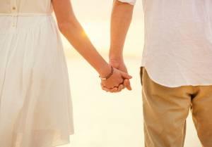 手を繋ぐ彼氏の心理が知りたい!付き合ってない男性の本音との違い