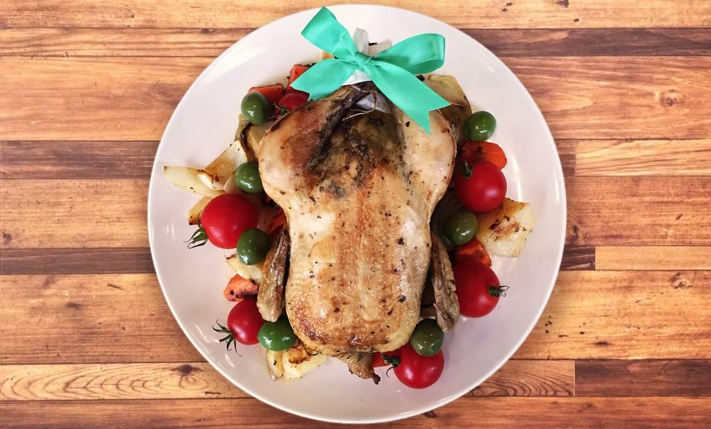 丸鶏ローストチキンレシピ(ピラフ入り)!クリスマスディナーに☆