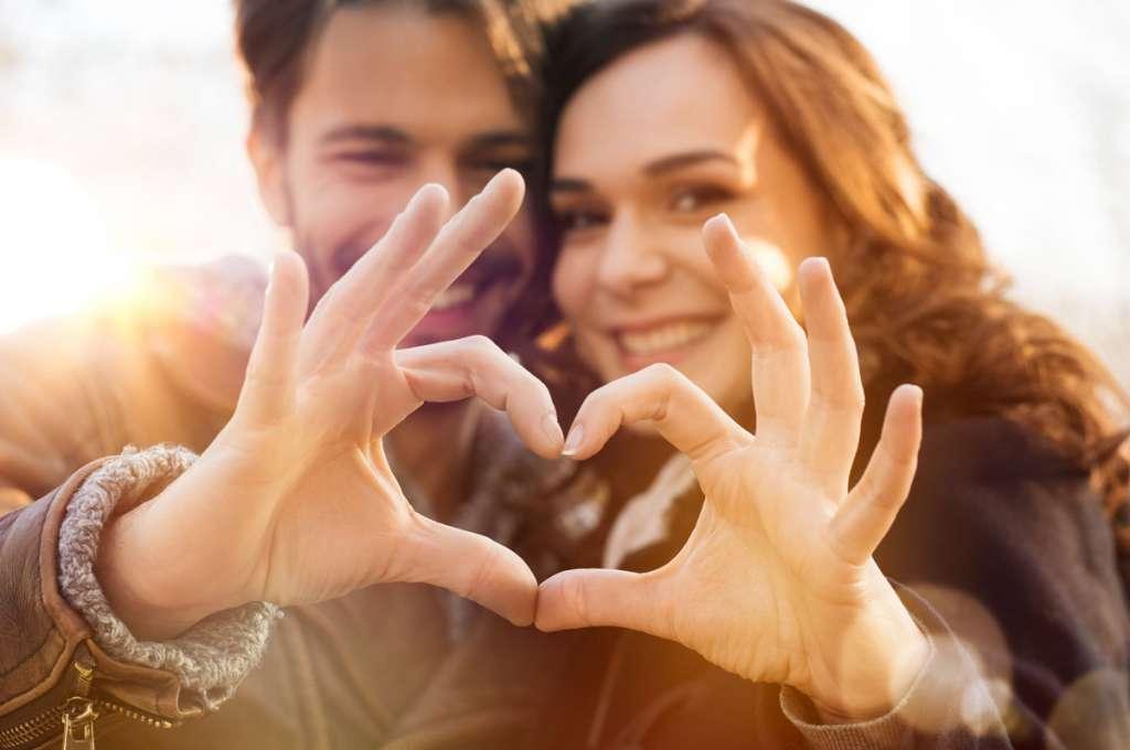 デートの脈ありサイン32選!男性が女性に好意を示す時の行動・態度を見極めよう♡