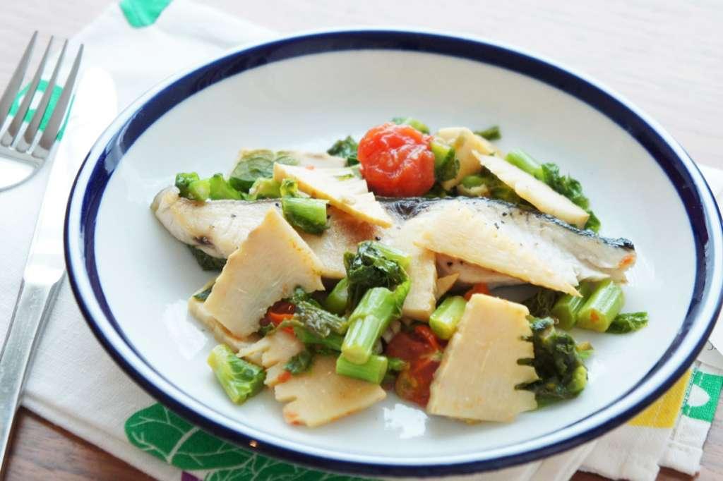 春野菜の特徴とレシピ|春野菜スムージー・春野菜とサワラの和風アクアパッツァ