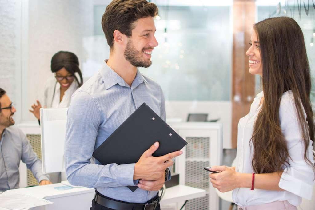 職場の男性がとる脈ありな行動・態度・LINE・会話【永久保存版】好きな女性に送るサイン